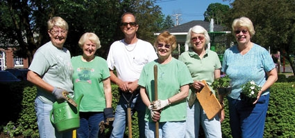 Oxford Garden Club plans annual plant sale
