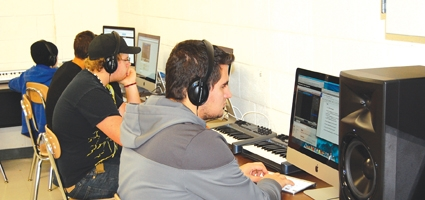 Oxford Academy Teacher Integrates Music And Technology