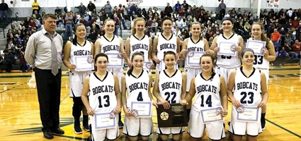 Undefeated Lady Bobcats hold on late for  3-peat MAC performance over Bulldogs