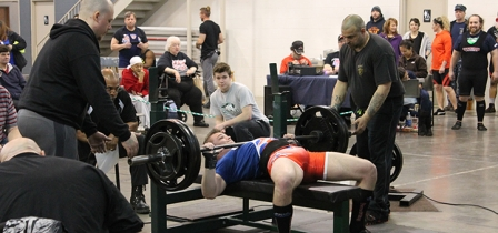 Norwich native breaks world powerlifting record