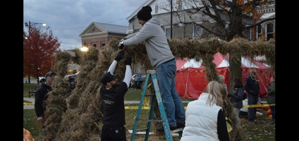 Volunteers prepare for Pumpkin Festival