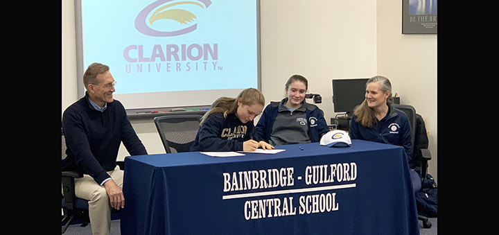 Selfridge signs letter of intent to play volleyball at Clarion University