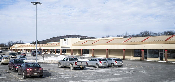 North Norwich Plaza to be auctioned soon