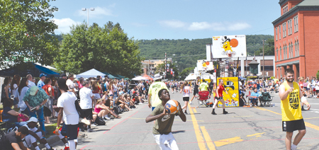 Summer weather greets Norwich YMCA Gus Macker Tournament